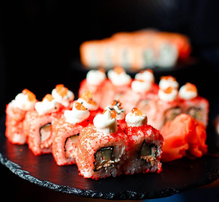 sushibuzz-sushi-rouge-au-fromage-dejase